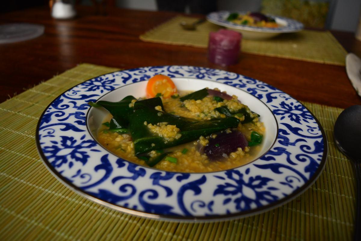 Canjiquinha vegetariana com ora-pro-nobis