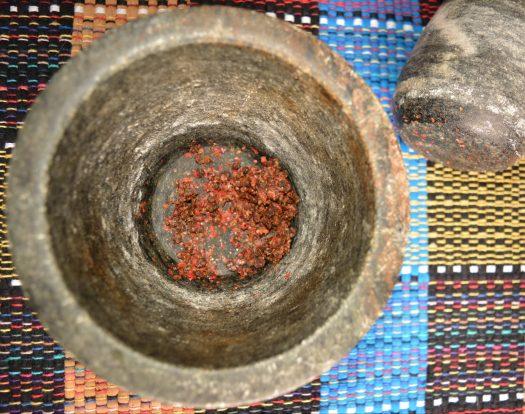 pimenta rosa no pilão